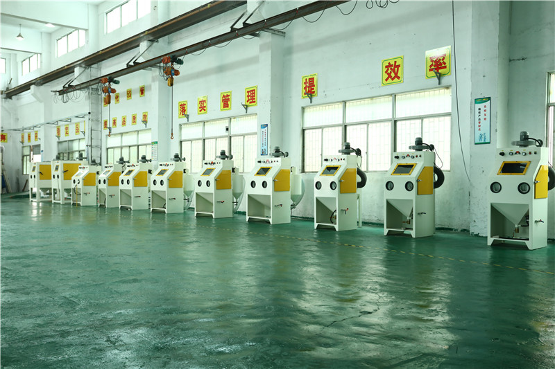 Manual sand blasting machine